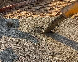 Bombeamento de concreto para laje